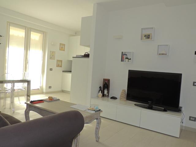 Vendita bilocale trilocale alassio for Appartamento moderno